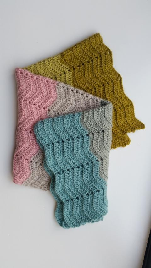 Super Easy Crochet Baby Blanket In Plump Dk Mrs Moon