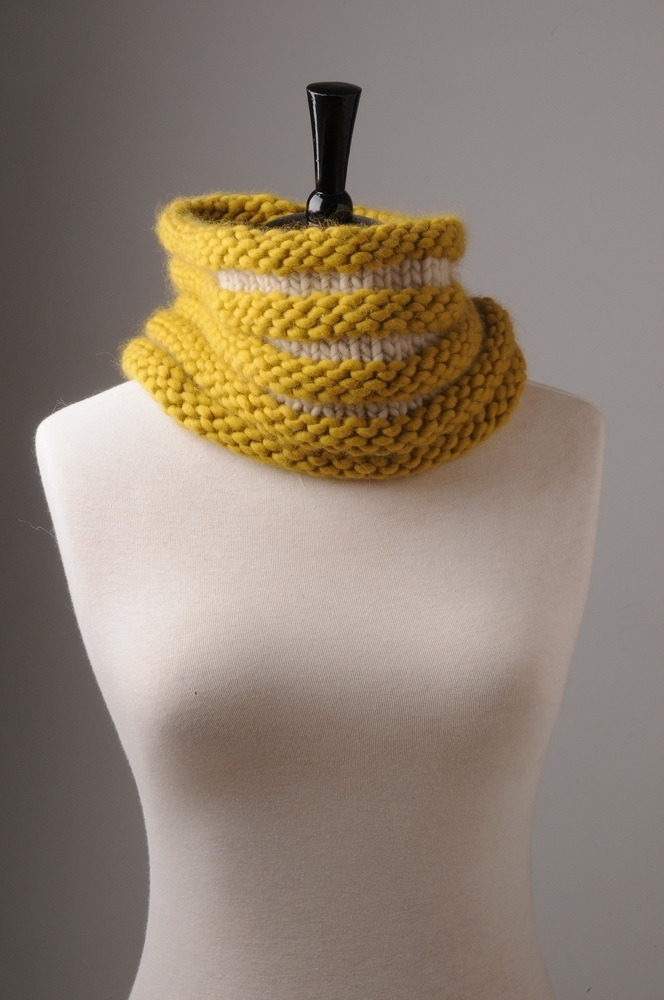 8_textured_knitted_cowl_resize.jpg