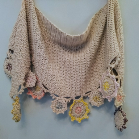 Motifs Drop Shawl